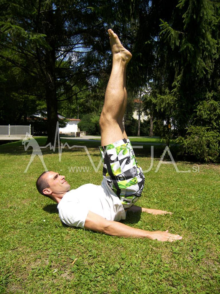 VIDEO: Popoln trening za celo telo brez uteži v naravi 3