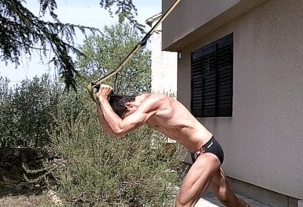 VIDEO: Triceps TRX