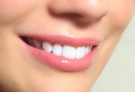 Zakaj imajo tisti z zdravimi zobmi tudi lepšo postavo?