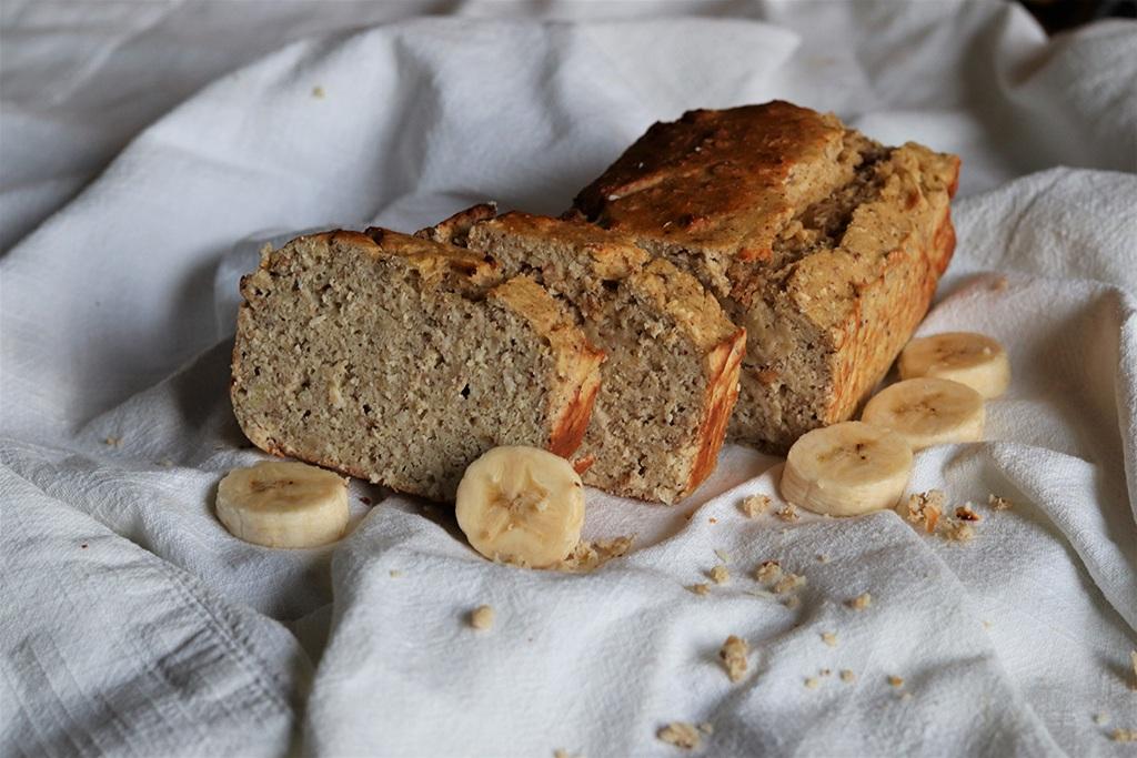 beljakovinski bananin kruh